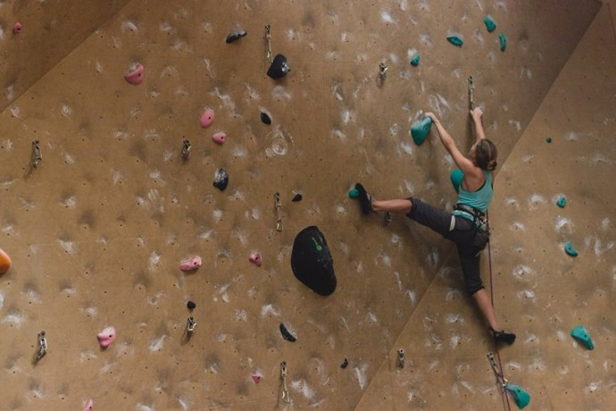 Image via: Hard Rock Climbing