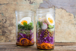 Salad in a Jar nadia felsch
