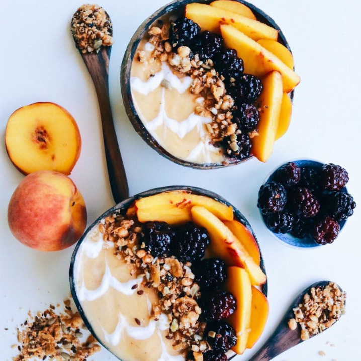 @jinxdahlia  – Peach Smoothie Bowl