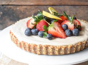 Raw Vegan Lemon Cashew Cheesecake